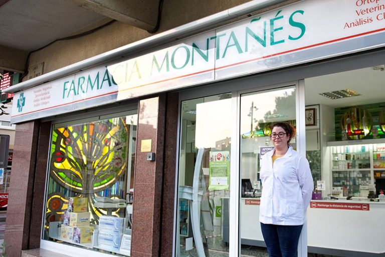 farmacia montanes exterior 2 768x513