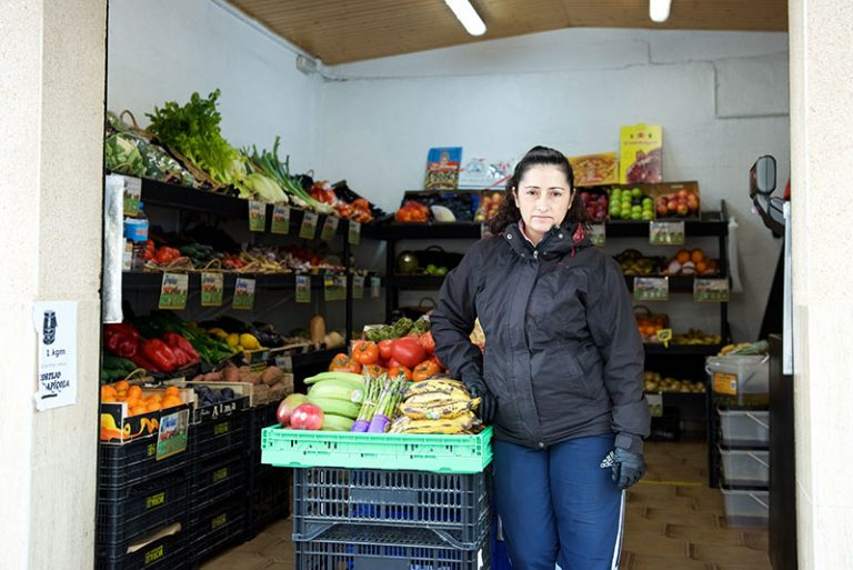 fruites exit exterior 2 768x513