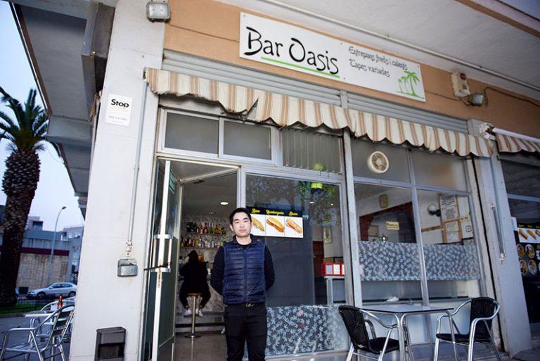oasis bar exterior 2 768x513