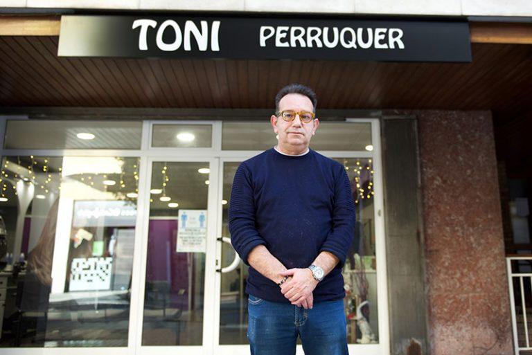 toni perrruquer exterior 2 768x513
