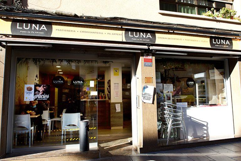 forn de Luna carrer catalunya exterior 768x513